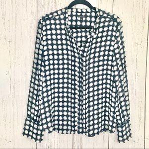 Ann Taylor black & white print long sleeve blouse